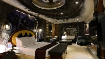 14 Outrageous geeky themed hotel rooms 13