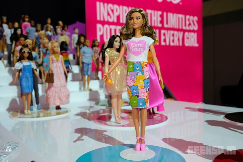 Barbie's latest outfits are covered in Super Mario, Hello Kitty, and other geeky franchises 13