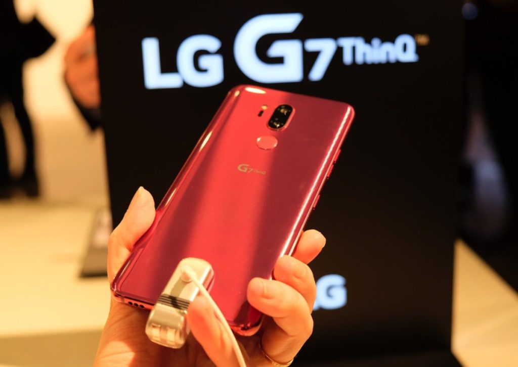 The LG G7 ThinQ offers a disappearing notch and neat AI features 13