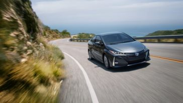2018 Toyota Prius Prime Review - A Phenomenal Hybrid that won't Break the Bank 14