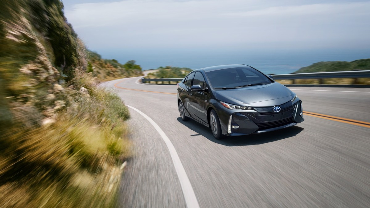 2018 Toyota Prius Prime Review A Phenomenal Hybrid That Won T Break The Bank Geekspin