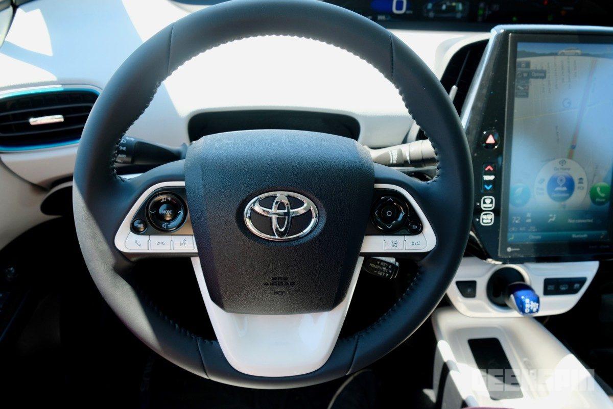2018-Toyota-Prius-Prime69