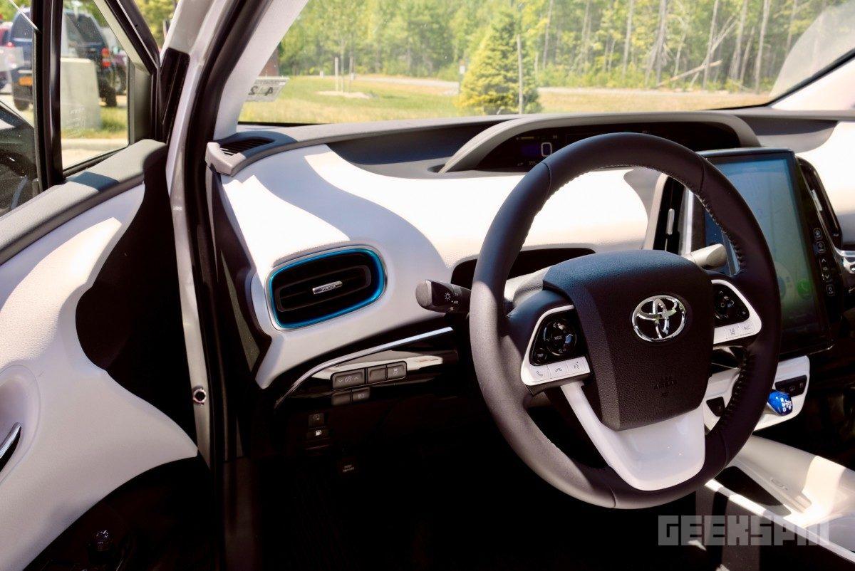 2018-Toyota-Prius-Prime70