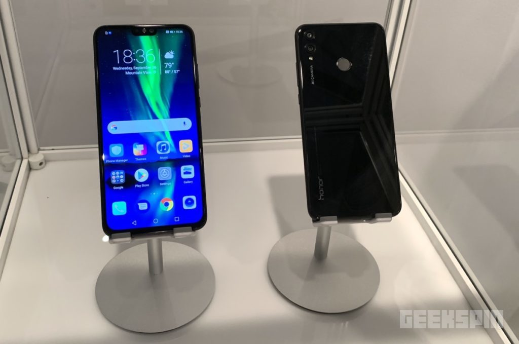 The Honor 8X is a budget smartphone that resembles a flagship 22