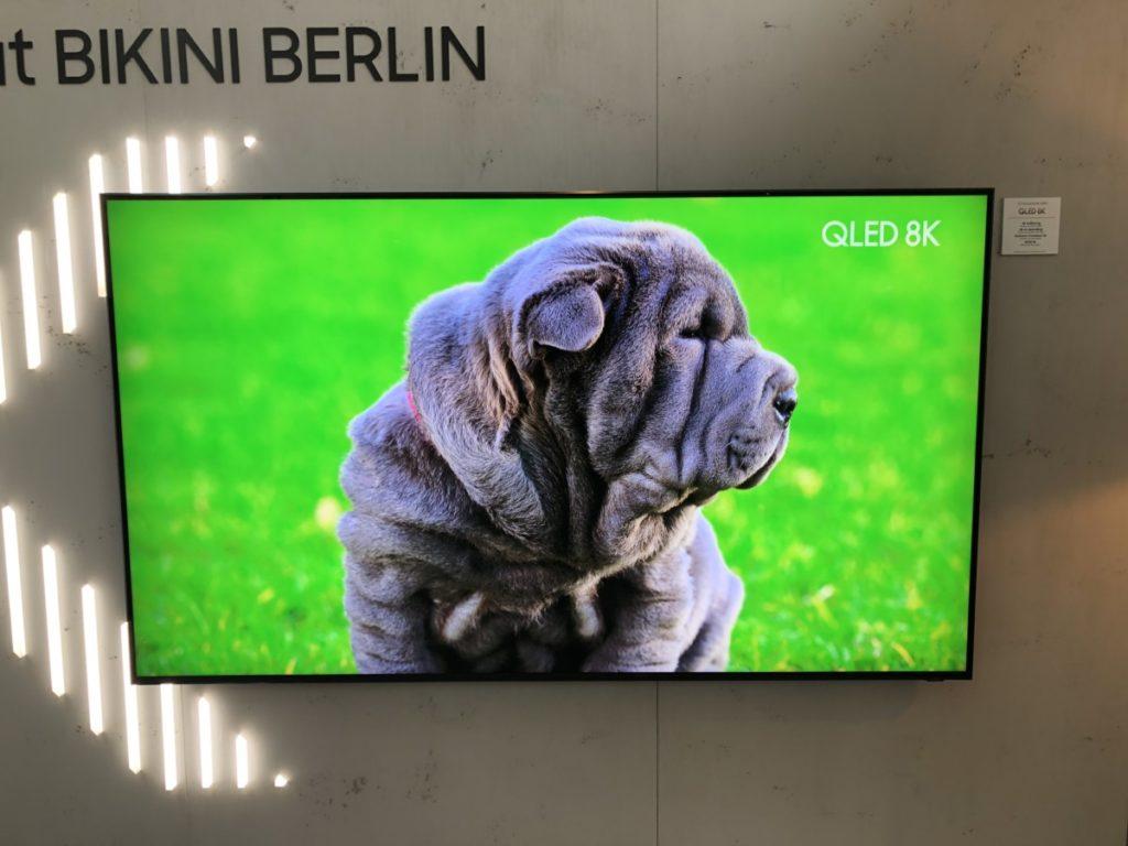 Samsung 8K Q900FN QLED TV