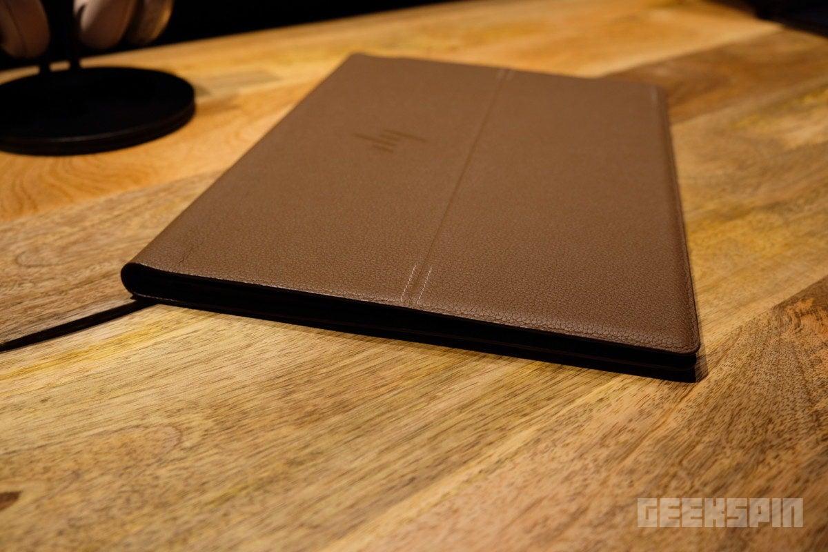 HP-spectre-folio-leather0223