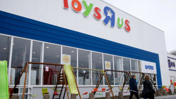 "The Toys ""R"" Us brand is being brought back to life 10"