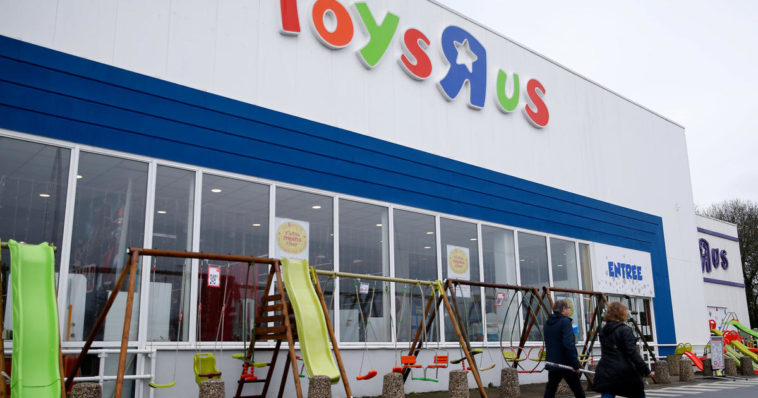 """The Toys """"R"""" Us brand is being brought back to life 16"""