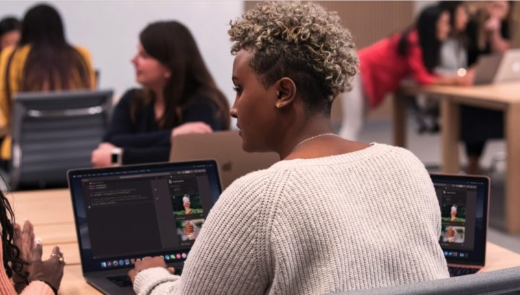Apple creates a coding boot camp for women 12