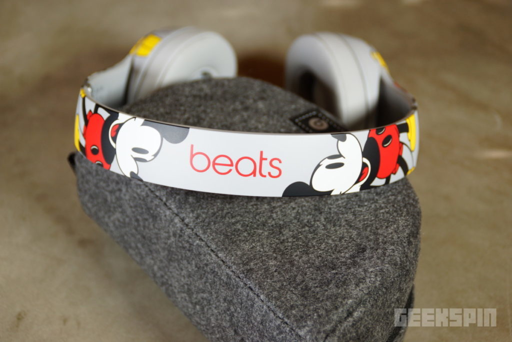 Unboxing Mickey S 90th Anniversary Edition Beats Solo3 Wireless Headphones Geekspin