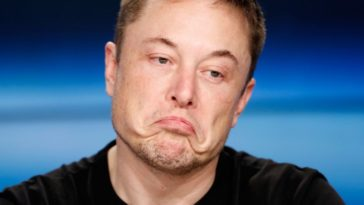 Elon Musk says there's a 70% chance he'll travel to Mars 15