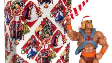 He-Man is a hot Santa in this new Christmas action figure 13