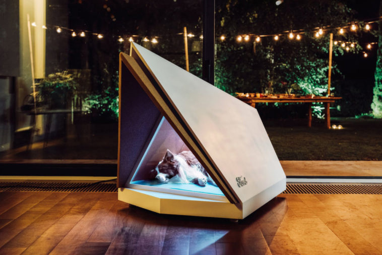 Ford builds a noise-canceling doghouse 13