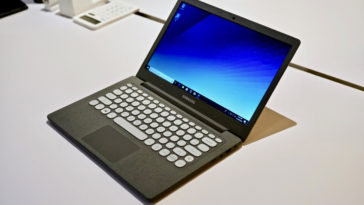 Samsung's $349 Notebook Flash laptop is a retro-looking gem 22