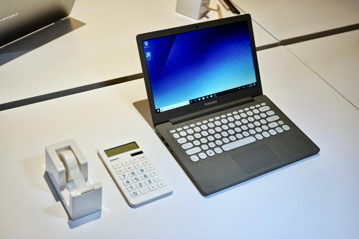dsc06174 150x150 - Samsung's $349 Notebook Flash laptop is a retro-looking gem
