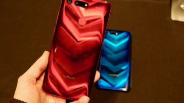 Honor shows off its notch-less View20 flagship phone at CES 14