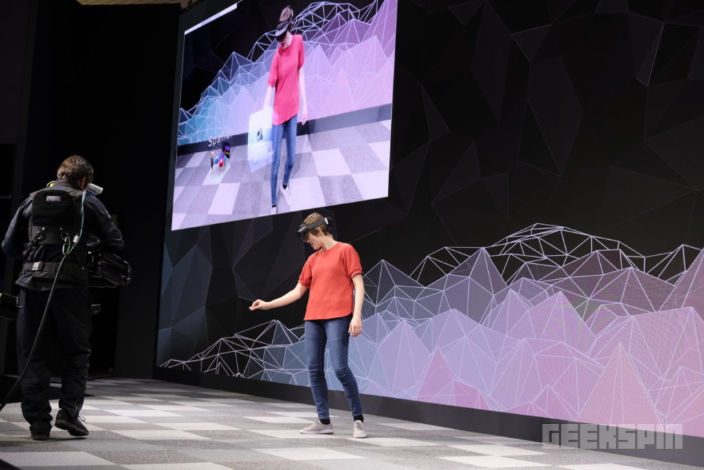 HoloLens 2 will bring about the birth of the internet of holograms 13
