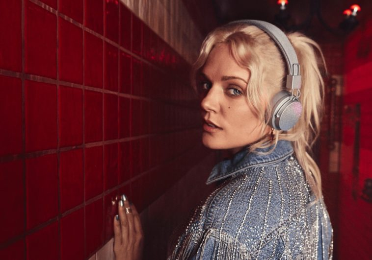 Urbanears' Tove Lo-designed headphones are covered in glitter 14