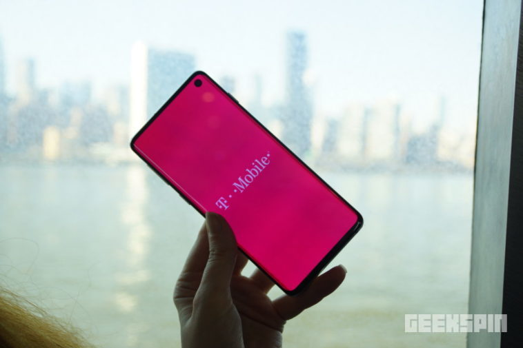 Testing the Samsung Galaxy S10 on T-Mobile's 4G network 10