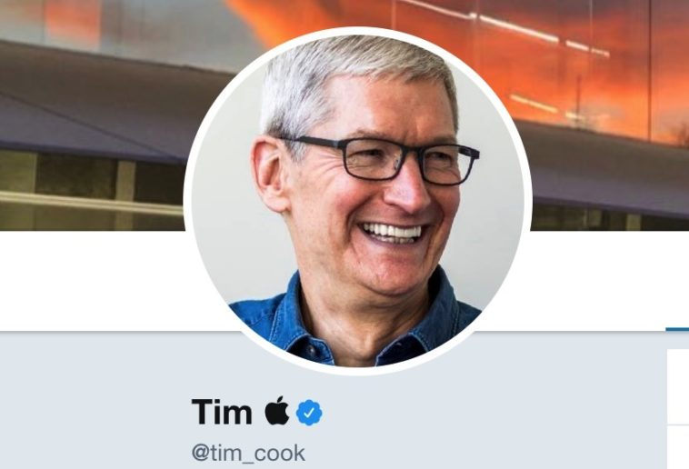 President Trump gives Apple CEO a nickname and he's owning it 10