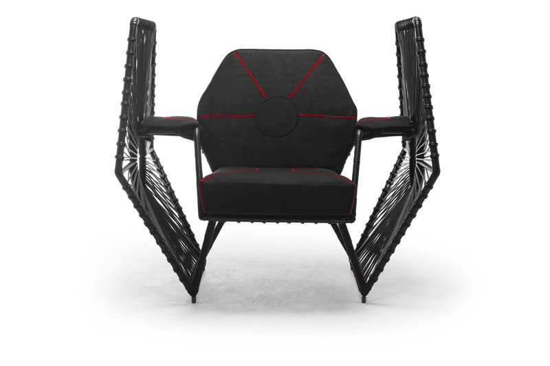IMPERIAL WINGS Easy Armchair front