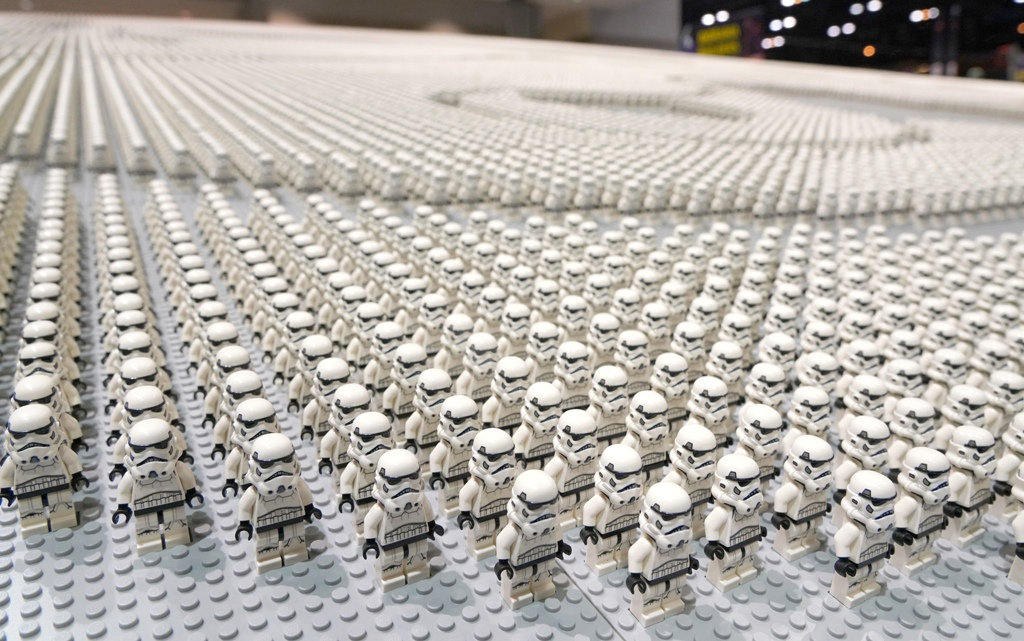 LEGO has set a new world record for the largest display of Star Wars minifigures 12