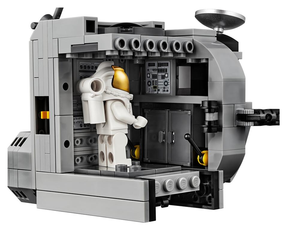 LEGO Creator Expert NASA Apollo 11 Lunar Lander interior
