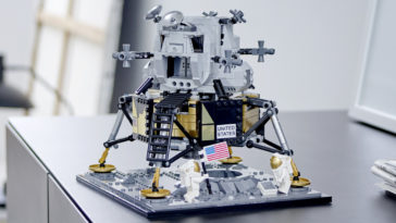 LEGO and NASA create a super cool mini replica of the Apollo 11 Lunar Lander 13