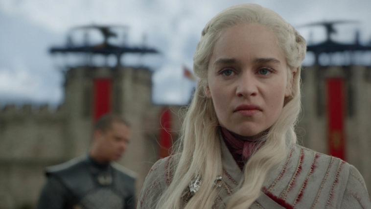 Emilia Clarke hates the new Daenerys Targaryen too 15