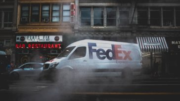 FedEx sues U.S Commerce Department over Huawei mandate 15