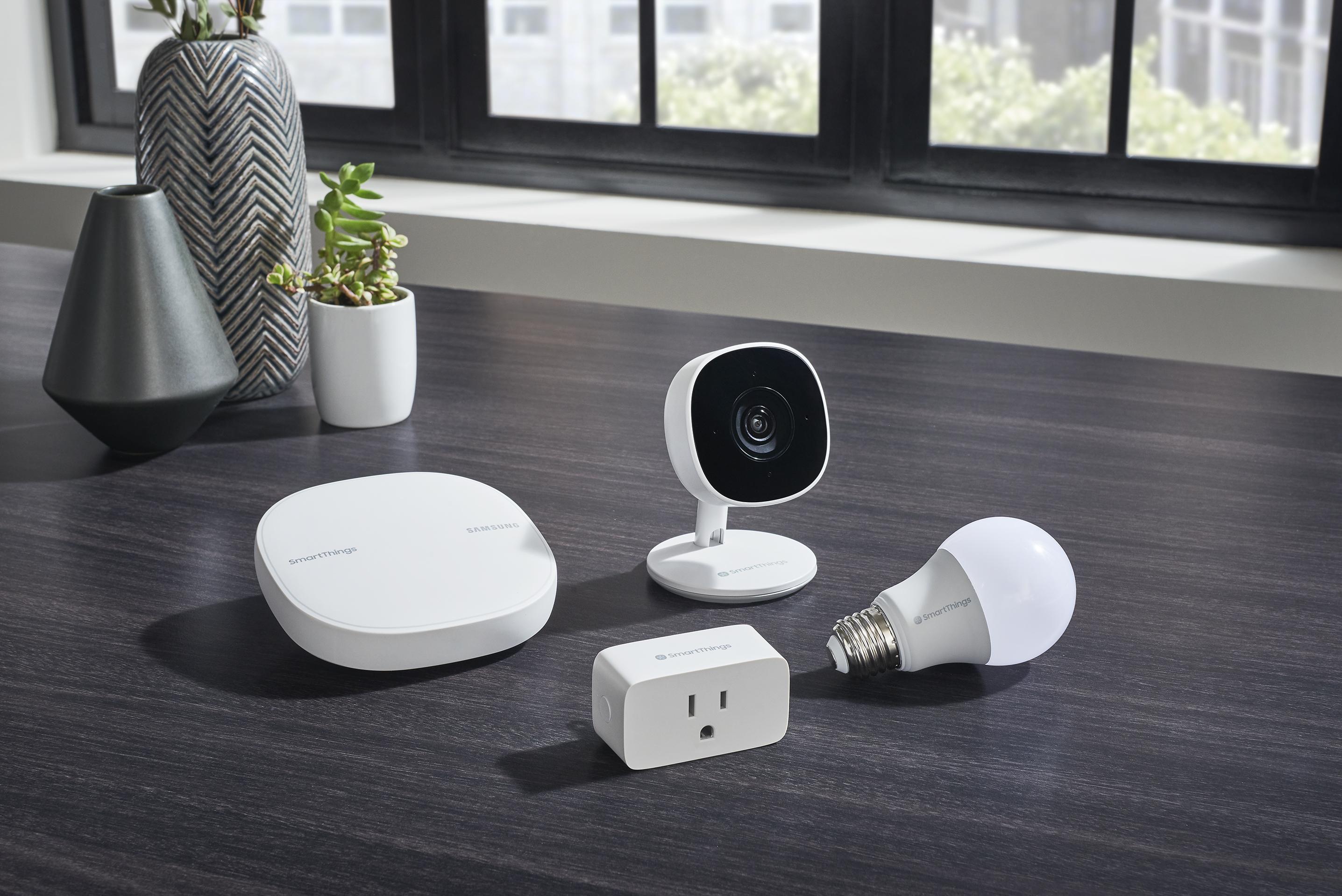 smartthings wifi cam plug bulb nocord 002 758x506 - Samsung's SmartThings Cam doesn't require a SmartThings hub