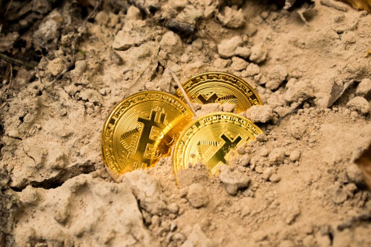 Angry mob burns Bitcoin Wallets' owner's home after being scammed 13
