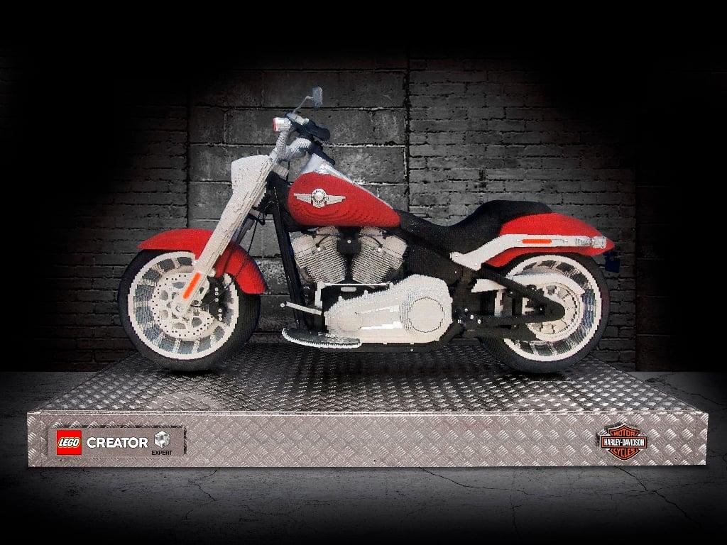 harley davidson life size model - Harley-Davidson Fat Boy LEGO replica looks like the real deal