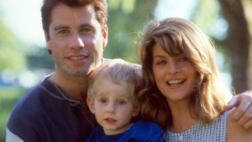 John Travolta and Kirstie Alley in Look Who's Talking
