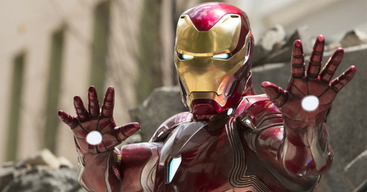 This realistic Iron Man suit is the dream Halloween costume of every Tony Stark fan • GEEKSPIN