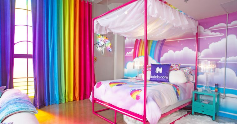 Lisa Frank themed penthouse is the ultimate dream room of every '90s girl 12