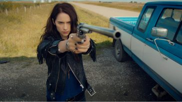 Wynonna Earp creator and stars express their gratitude to the show's fans at NYCC 15