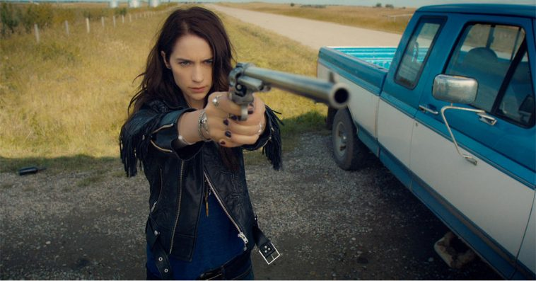 Wynonna Earp creator and stars express their gratitude to the show's fans at NYCC 11