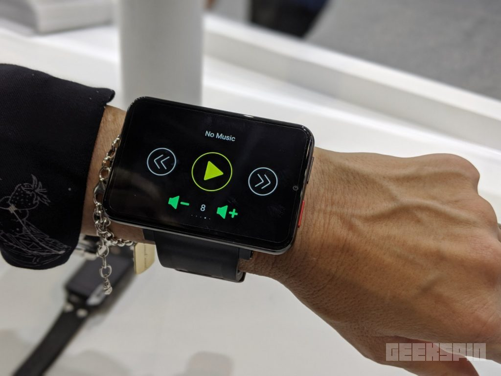 This smartwatch is literally a smartphone on your wrist 16