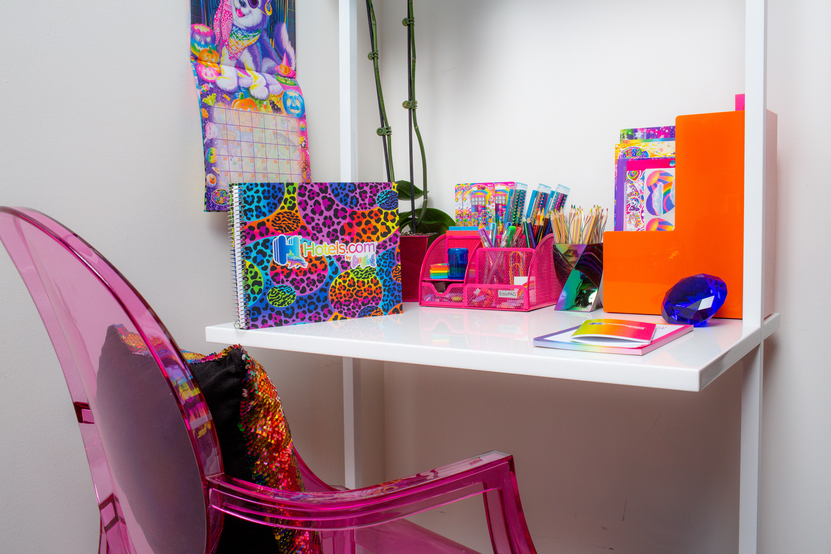 Lisa Frank themed penthouse is the ultimate dream room of every '90s girl 15