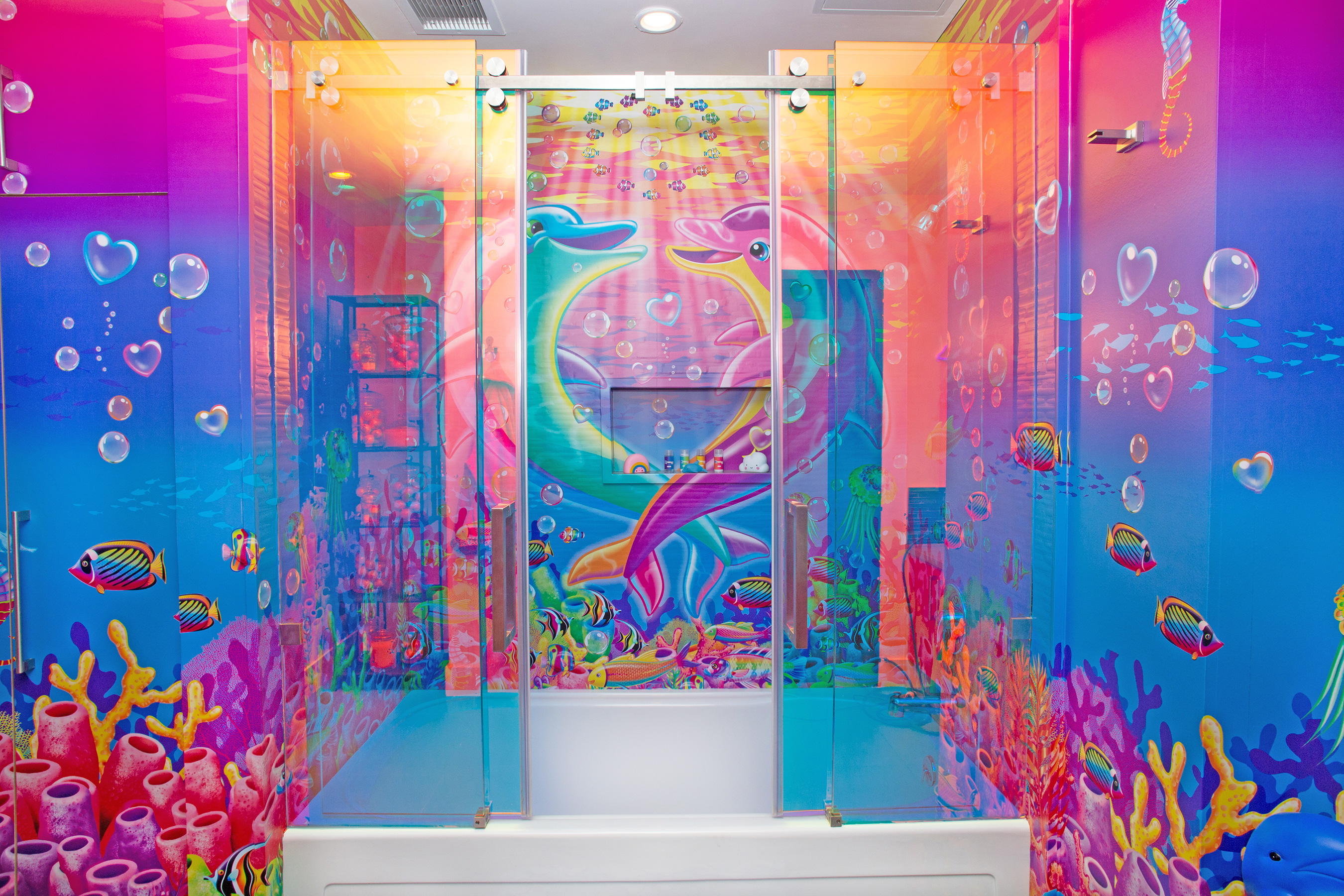Lisa Frank themed penthouse is the ultimate dream room of every '90s girl 19