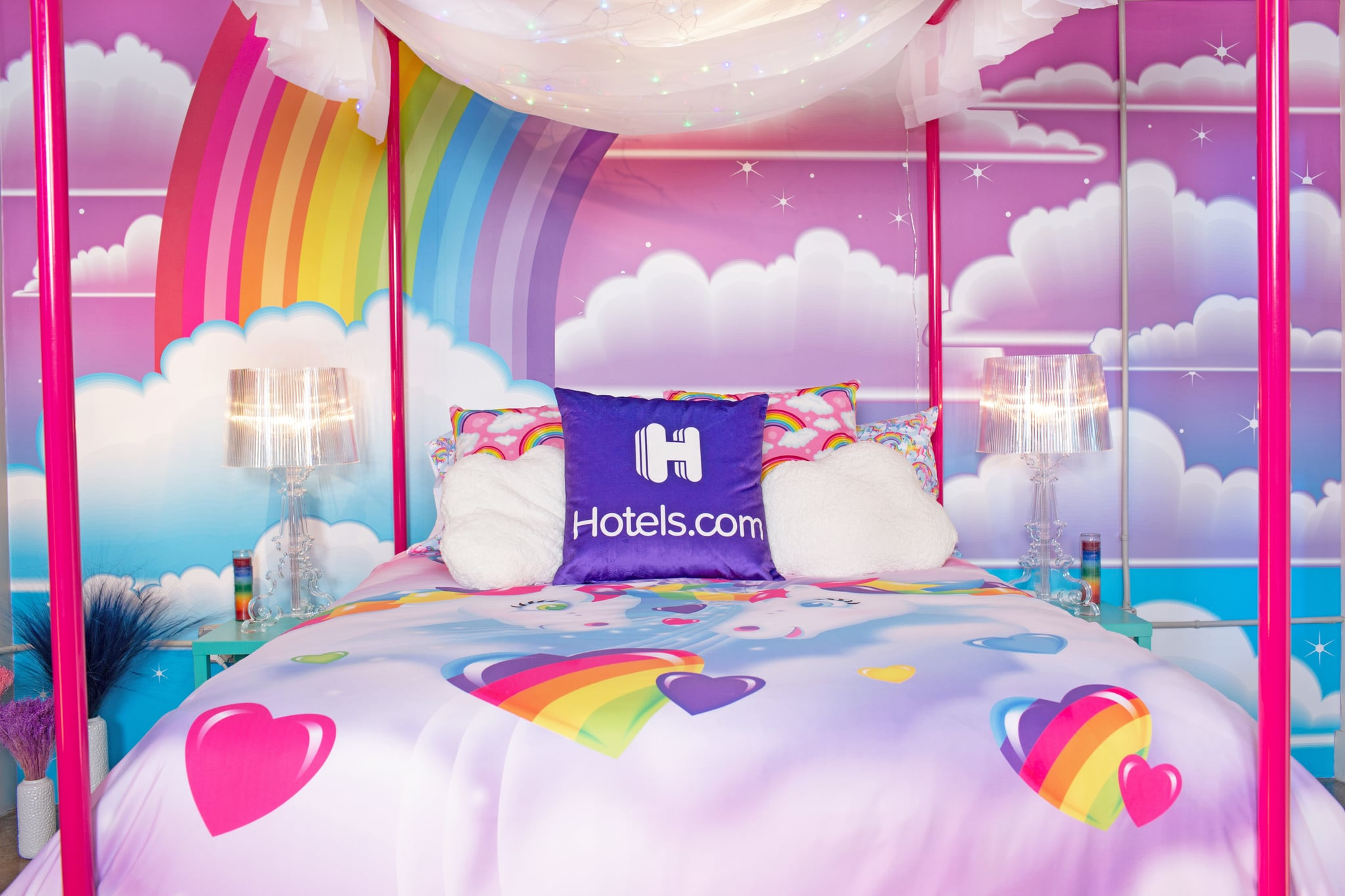 Lisa Frank themed penthouse is the ultimate dream room of every '90s girl 20