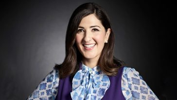 Darcy Carden as Janet of The Good Place 364x205 - The Good Place actress D'Arcy Carden is in talks to star in Amazon's A League of Their Own