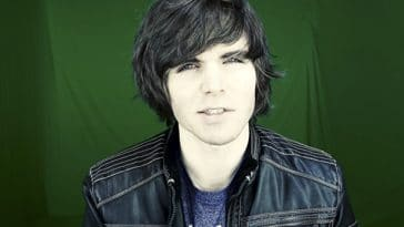 Patreon bans famous Youtuber Onision for doxxing 20