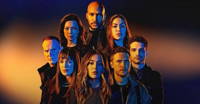 Agents of SHIELD unveils a first-look photo at the show's main cast for Season 7 12