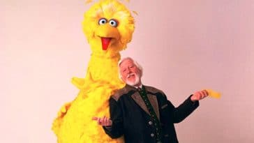 Caroll Spinney, the puppeteer behind Sesame Street's Big Bird, dies at 85 11