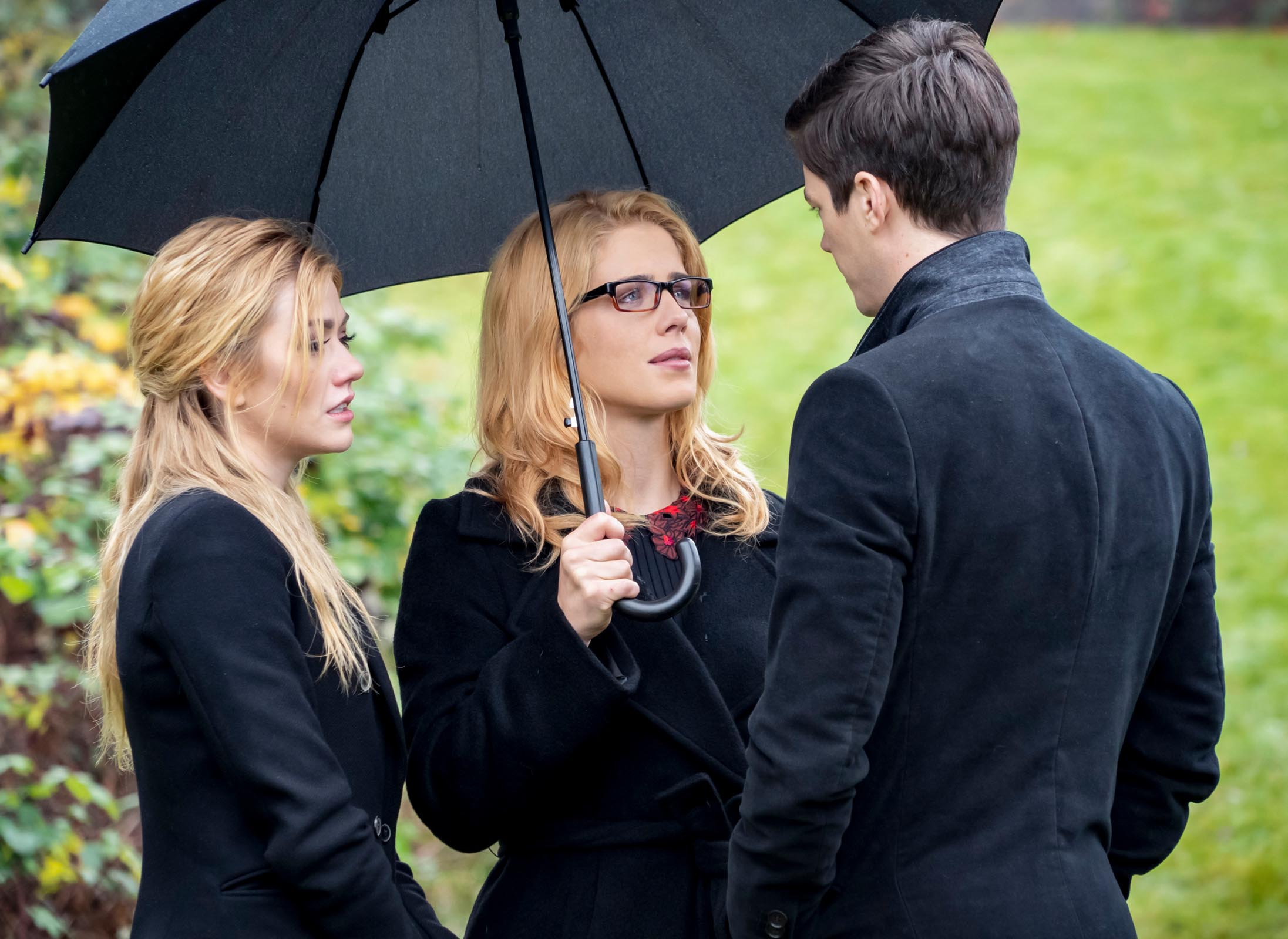 Arrow series finale photos reveal Felicity's return and major post-Crisis changes 19
