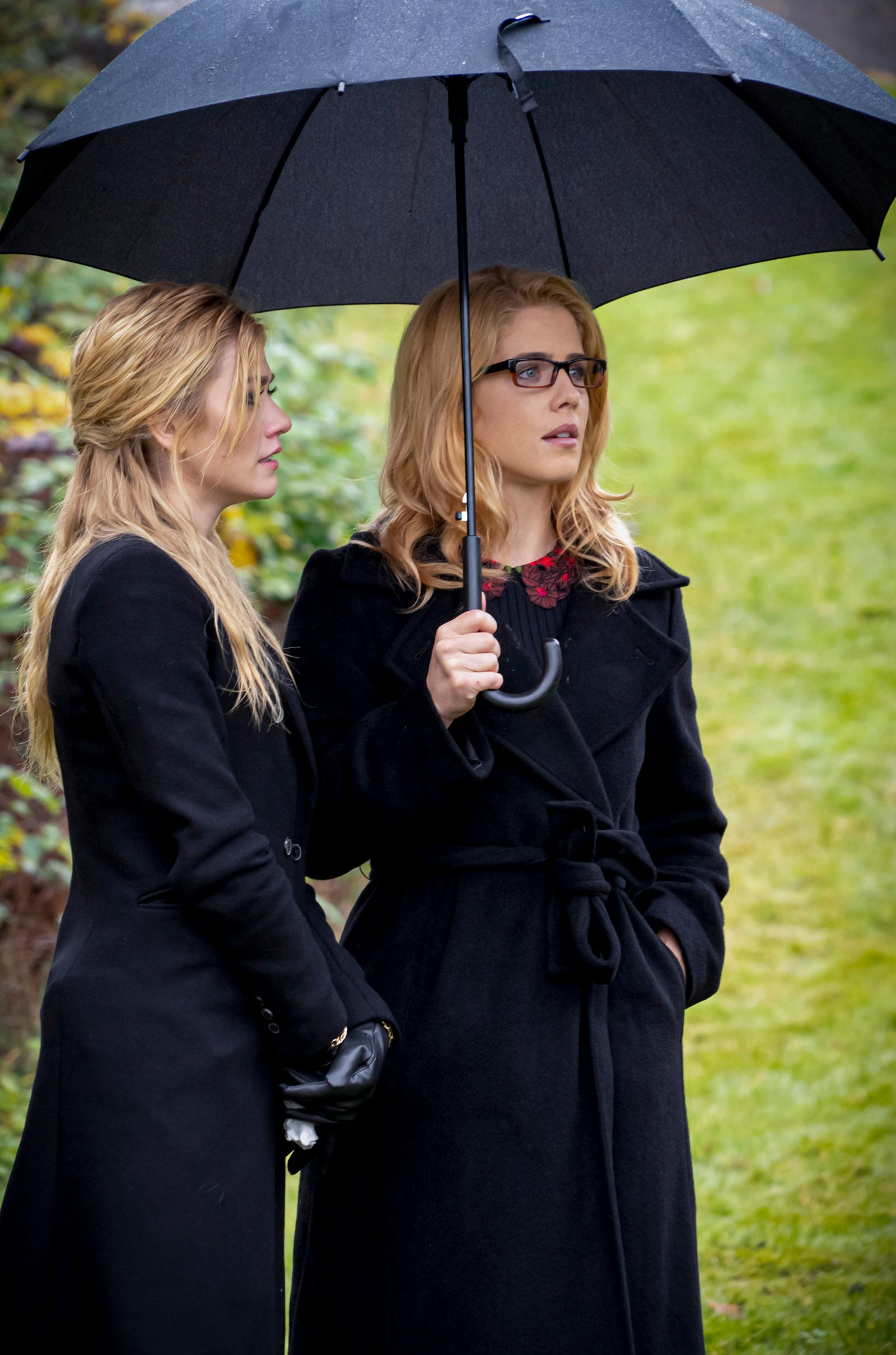 Arrow series finale photos reveal Felicity's return and major post-Crisis changes 14