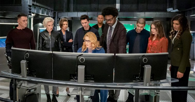 Arrow series finale photos reveal Felicity's return and major post-Crisis changes 13