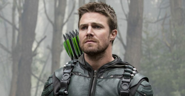 Arrow star Stephen Amell addresses Oliver Queen's death in Crisis on Infinite Earths 12